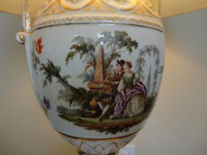 Vintage Ceramic Base Table Lamp with German/Austrian Scenery Kitchener / Waterloo Kitchener Area image 2