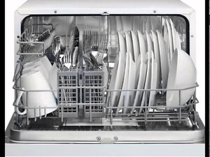 Countertop Dishwasher *Barely used, like new!*