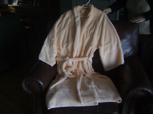 New Peach Size Large Caldwell Robe