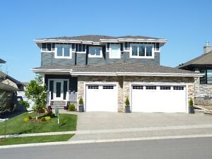 House for sale in Lake Side Lacombe Estates
