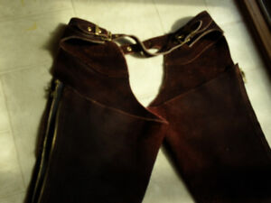 maroon suede full  chaps medium size, riding