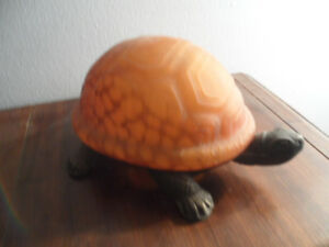 VINTAGE TIFFANY STYLE TURTLE LAMP
