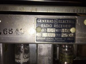 Antique radio portable Cornwall Ontario image 4
