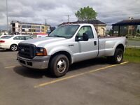 2005 FORD F350 SUPER DUTY, 6 ROUES, EXTRA EXTRA PROPRE !