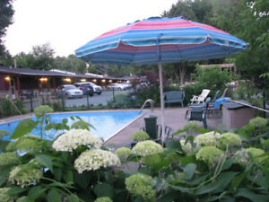 Swimming pool, Face st-Laurent River, $60/night, 50mins Montreal