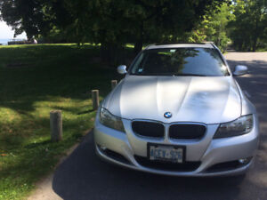 2011 BMW320i - Fully Loaded - Mint condition-83,500k-$11,000
