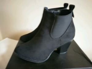 Ankle Dress Boot size 6
