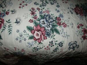 Green Floral Bedspread Kitchener / Waterloo Kitchener Area image 1