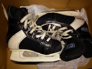 CCM Intruder kids skates size 9 youth in good condition