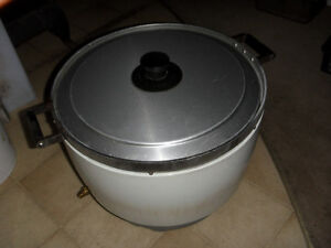 USED COMMERCIAL 50 CUP NATURAL GAS RICE COOKER $250.00