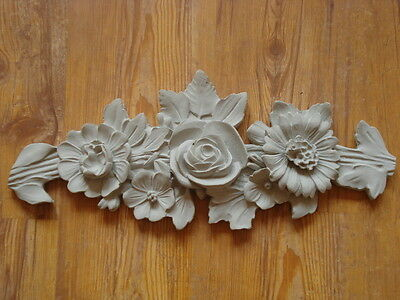 Stucco-Traumhaftes Rosen Schmuckelement - Aussenfassade aus Beton 120-331B
