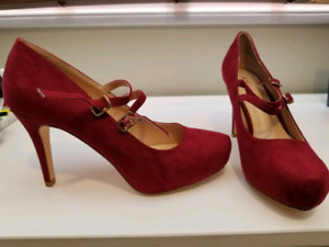 Women's Shoes Size 10 Brand New!