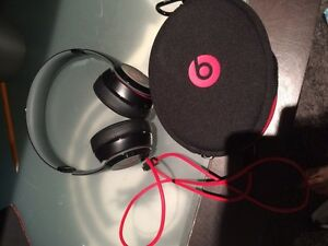 Brand New beats solo 2 wireless