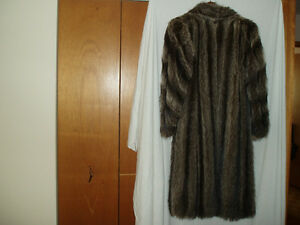 LADIES RACOON FUR COAT