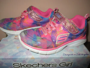 GIRLS SKECHERS RUNNING SHOES-SIZE13