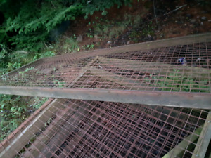 Wire fencing with wooden frames