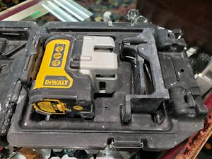 DEWALTSelf Leveling 3-Beam Line Laser
