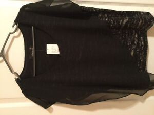 New  beautiful blouse for Christmas size large from Laura