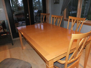 Maple Table and 6 chairs