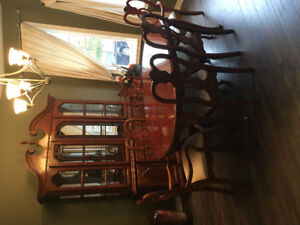 Dining room set - Asking $900