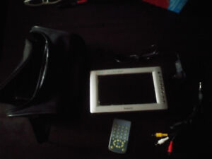 """jinkedi colour lcd 7"""" digital monitor/tv,  remote, carrying case"""