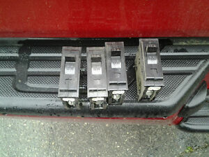 4 (four) 15a Circuit Breakers trade for 2 Stabloc Style