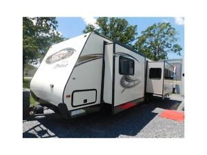 2012 forest river 30 foot two slides travel trailer