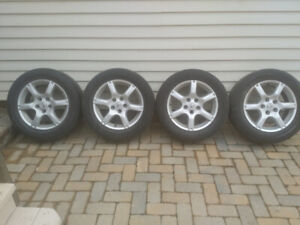 Nissan 16'' alloy Rims and Rubber set of 4 only $200