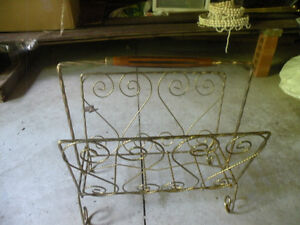 Retro Gold Magazine Rack Kawartha Lakes Peterborough Area image 1