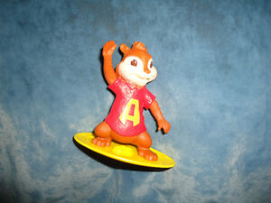 Alvin & The Chipmunks Chipwrecked surfing Alvin