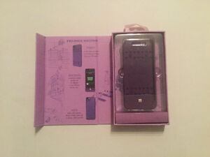 BoostCase Battery Pack + Snap-on Case iPhone 5 5S New in Box West Island Greater Montréal image 1