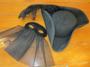 Tricorn hat from Venice and mask