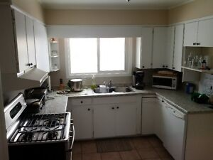 ALL INCLUSIVE!  2 Bedrooms Available!! London Ontario image 2