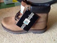 Newcastle Utd boots size 8