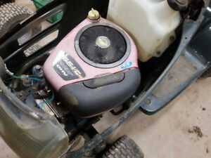 15.5 horsepower Briggs and Stratton lawn mower engine