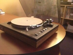 Record Player -Fisher MT-6220