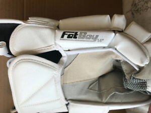 "14"" Warrior Fatboy - Lacrosse Goalie Gloves"
