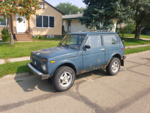 1996 lada niva with 1993 niva for parts