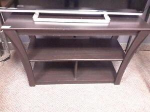 *** USED *** ASHLEY ELLENTON TV STAND   S/N:51239369   #STORE223