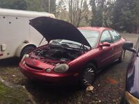Selling my 1996 Ford Taurus Sedan for really CHEAP!!