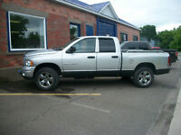 2004 Dodge 1500 Laramie  with Working plow/set of extra tires
