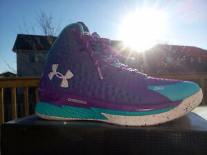 Under Armour Curry 1s Size 8.5 DS