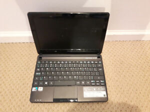 ACER ASPIRE ONE D270 Laptop(hardly used/4hours+ battery time)