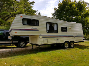 1991 Coachman 5th Wheel Trailer  (25')