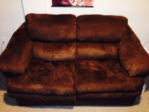 Chocolate Love Seat in Like New Condition!
