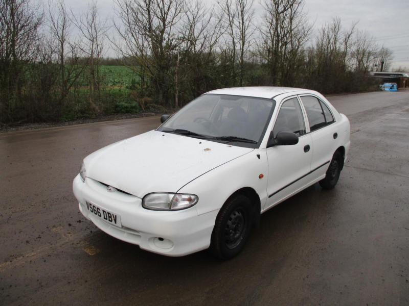 1999 Hyundai Accent 13 Si Petrol Manual 5 Door Hatchback White Cheap