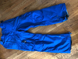 Pair of size L (36-38 waist) Thirty Two snowboard pants