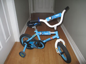 Thomas the train Bike with back pack and training wheels