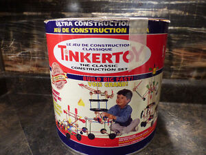 TINKER TOY 250-PIECE ULTRA CONSTRUCTION SET