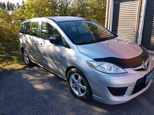 2008 Mazda 5! Seating for 6 and phenomenal on Gas! MUST SEE!